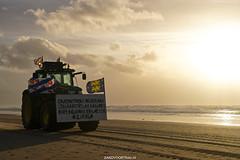 DSC09950 (ZANDVOORTfoto.nl) Tags: boerenprotest farmerprotest farmer boer farm protest 2020 zandvoort aan zee beach beachlife sunset co2 stikstorfbeleid netherlands zandvoortfoto zandvoortfotonl kust friesland groningen boeren