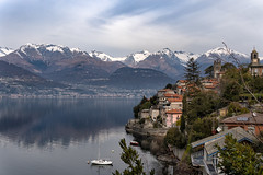Corenno Plinio - Lago di Como (M-Gianca) Tags: lago lake como italia italy montagna mountain sony città city panorama landscape paesaggio
