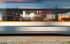 "Esperando el tranvía / Waiting for the tram (toni jara) Tags: parada valencia grao marítimo tranvía ""motionblur"""