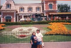 Image (17) (santos.apodaca) Tags: disneyland 1996 may may1996 california disneyentrance mickeyflowers bertha santos