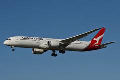 Qantas Airways 787-900 Dreamliner (VH-ZNF) LAX Approach 2 (hsckcwong) Tags: qanrasairways qantas 787900 7879 787 dreamliner vhznf lax klax