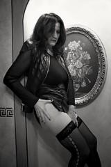 Arte BW (Dominanosctre) Tags: bw woman femminile femme female sensual sexy legs calzearete calzeautoreggenti eros erotico model photomodel