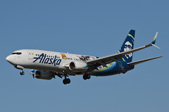 Alaska Airlines Toy Story 4 Livery 737-890 (N589AS) LAX Approach 2 (hsckcwong) Tags: alaskaairlines toystory4livery 737890 737800 737 n589as lax klax