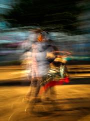 Cascarilleiros 1/3 (pepe.anacadabra) Tags: 17mmf18 acoruña em5markii moveon olympus atardecer fotodecalle largaexposicion longexposure pepeanacadabraes streephoto streetphotography