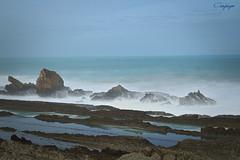 Furia en el Cantábrico... (cienfuegos84) Tags: cienfuegos84 costaquebrada liencres mar cantábrico oleaje stones rocas
