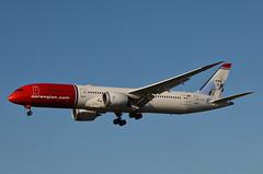Norwegian Long Haul Ole Bull Livery 787-900 Dreamliner (LN-LNJ) LAX Approach 1 (hsckcwong) Tags: norwegianlonghaul norwegianairlines7879007879787dreamlinerlnlnjolebulllivery lax klax