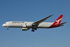 Qantas Airways 787-900 Dreamliner (VH-ZNF) LAX Approach 3 (hsckcwong) Tags: qanrasairways qantas 787900 7879 787 dreamliner vhznf lax klax