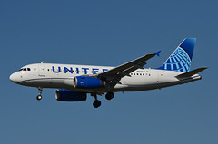 United Airlines New Global Evolution Livery A319-132 (N878UA) LAX Approach 2 (hsckcwong) Tags: unitedairlines a319132 a319100 a319 n878ua lax klax