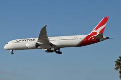 Qantas Airways 787-900 Dreamliner (VH-ZNF) LAX Approach 5 (hsckcwong) Tags: qanrasairways qantas 787900 7879 787 dreamliner vhznf lax klax