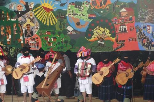 #compArte 🎤 #humanidad #festival  #zapatista #cideci #mocaya #caracol 🎥#elettritv💻📲 #radiozapatista #arte 🎨 #musica #popolare #sottosuolo 🙌 #music #underground #restiamoumani 🔊 #emliianozapa
