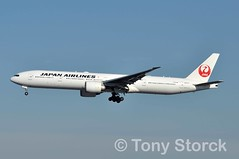 JA731J (bwi2muc) Tags: lax airport airplane aircraft airline plane flying aviation spotting spotter boeing 777 oneworld ja731j 777300 777300er oneworldalliance losangelesinternationalairport japanairlines