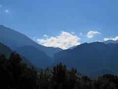 Beautiful blue mountains. (Ia Löfquist) Tags: crete kreta hike hiking vandra vandring walk walking mountain berg blue blå cloud moln