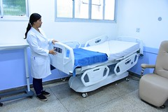 Aline Rodrigues é coordenadora de enfermagem do hospital Leal Junior (4) (itaborairj) Tags: reforma enfermarias hospitallealjunior saúde itaboraí 20022020