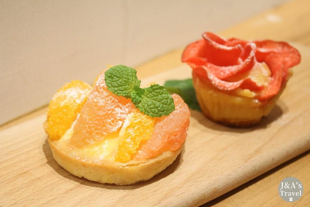 Her Rose 玫瑰系列甜點專賣店 粉紅小屋內的鄉村童話世界,水果塔新鮮好吃【捷運中山美食】 @J&A的旅行