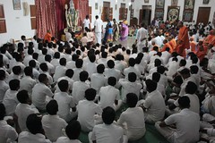 "Maha Shivaratri 2020 celebration in Vidyalaya (55) <a style=""margin-left:10px; font-size:0.8em;"" href=""http://www.flickr.com/photos/47844184@N02/49568958472/"" target=""_blank"">@flickr</a>"