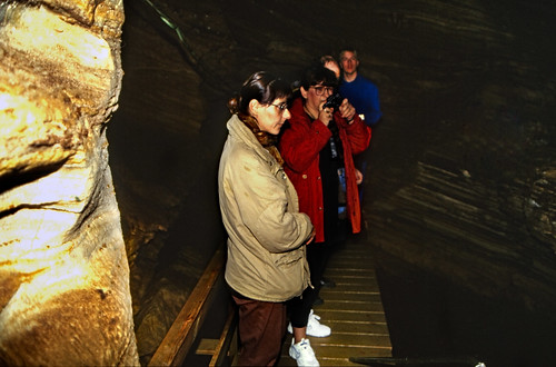 "Norwegen 1998 (542) Grønligrotta • <a style=""font-size:0.8em;"" href=""http://www.flickr.com/photos/69570948@N04/49569293148/"" target=""_blank"">Auf Flickr ansehen</a>"