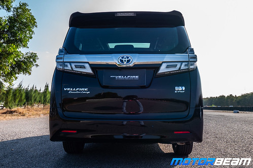 2020-Toyota-Vellfire-15