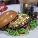 Dieser Burger vom Hard Rock Cafe ist mit essbarem 24-Karat-Blattgold bedeckt