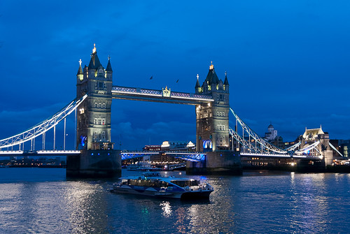 Blue hour by the Thames