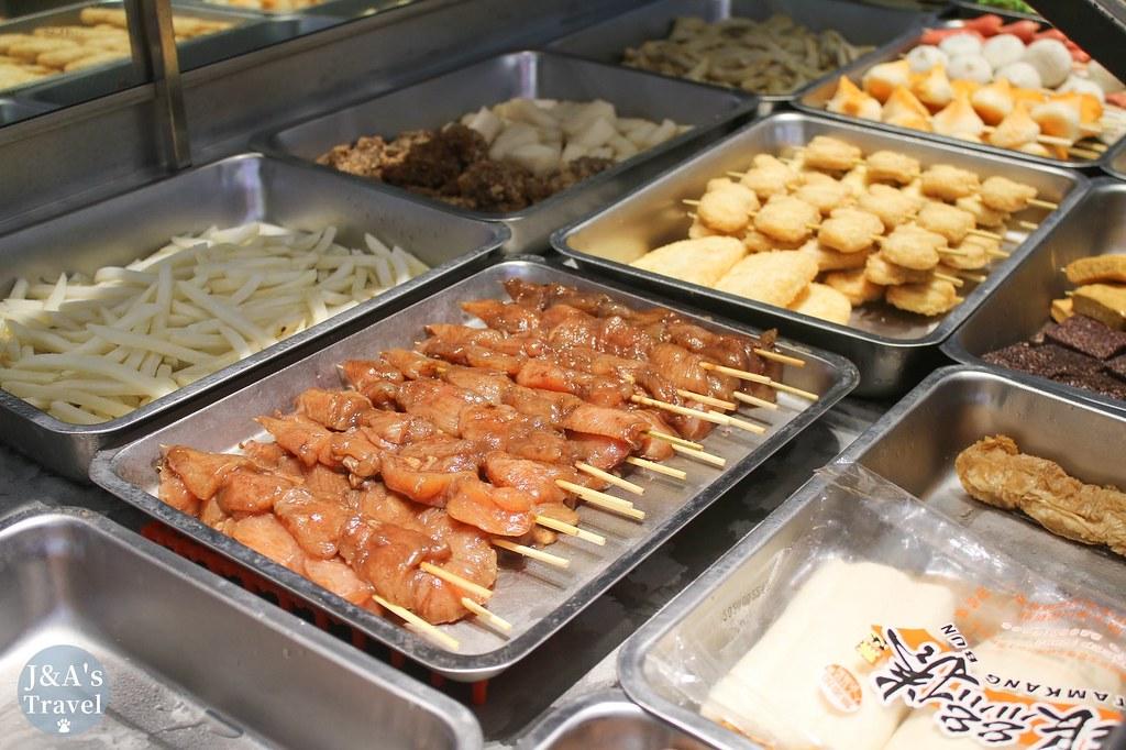 炸手指 推薦酥香涮嘴烤豆皮串,內用加20元還有酸梅汁無限暢飲!【捷運公館美食】 @J&A的旅行