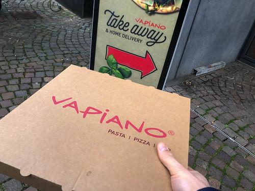 Pizza zum Mitnehmen bei Vapiano. Die Kette mit Sitz in Köln bietet Speisen italienischer Art an
