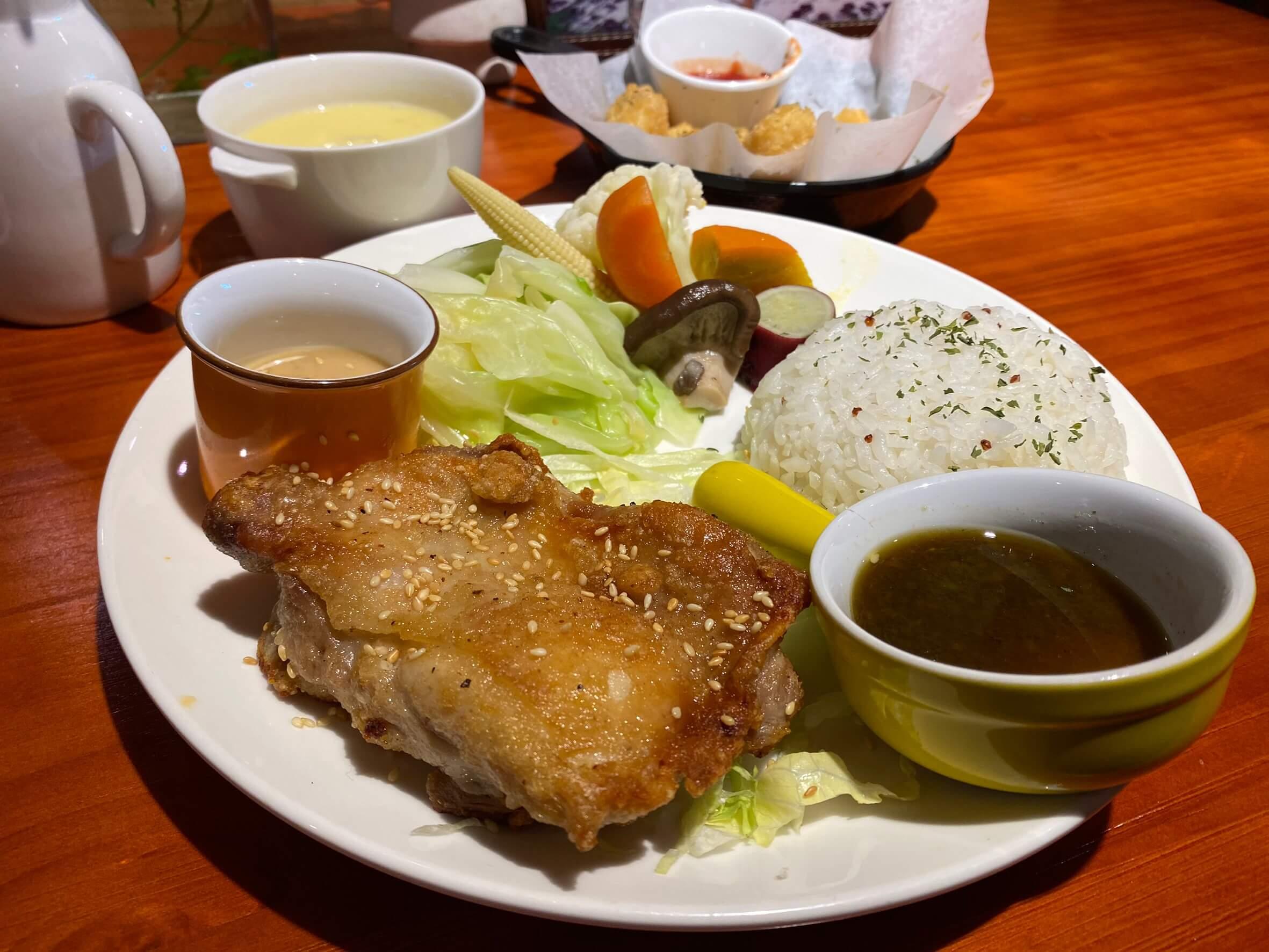 桃園景觀餐廳|丸山咖啡/ 復興區景觀餐廳 / 泰式椒麻雞