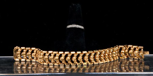 18k Yellow Gold 16 DWT Link Bracelet ($1,064.00)