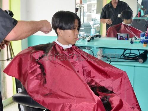 Haircut barbershop ladies in Women's Barber