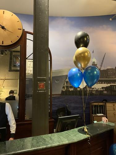 Tafeldecoratie 6ballonnen Hotel New York Rotterdam