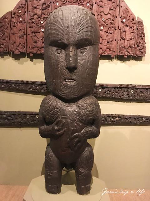 毛利人雕像