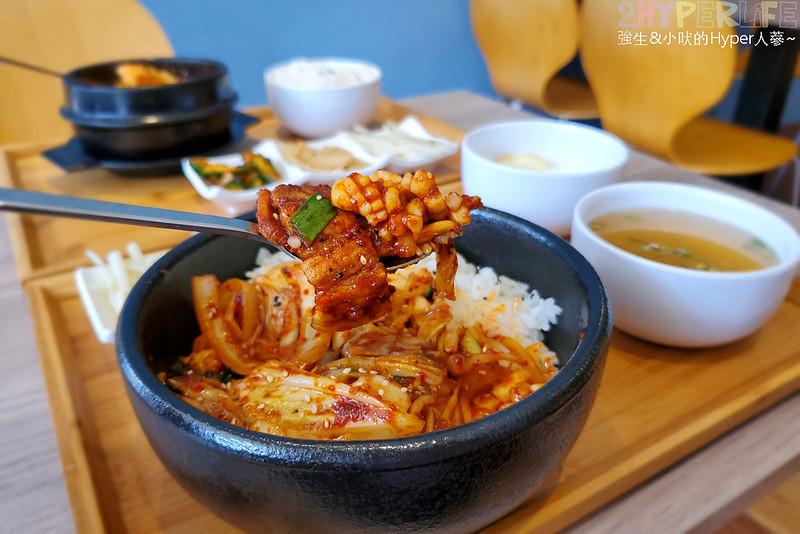 49612006473 56ff245f57 c - 必吃湯頭濃郁口味道地的辣豆腐鍋,崔基虎韓國料理還有韓國街頭常見的黑糖煎餅喔~