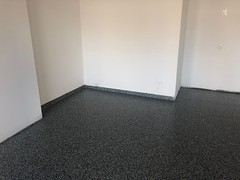 Anglų lietuvių žodynas. Žodis flooring reiškia n 1) grindų dėjimas; 2) parketas, grindys lietuviškai.