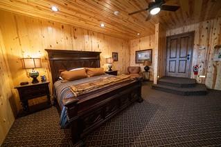 South Dakota Luxury Pheasant Lodge - Gettysburg 100