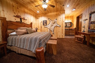 South Dakota Luxury Pheasant Lodge - Gettysburg 101
