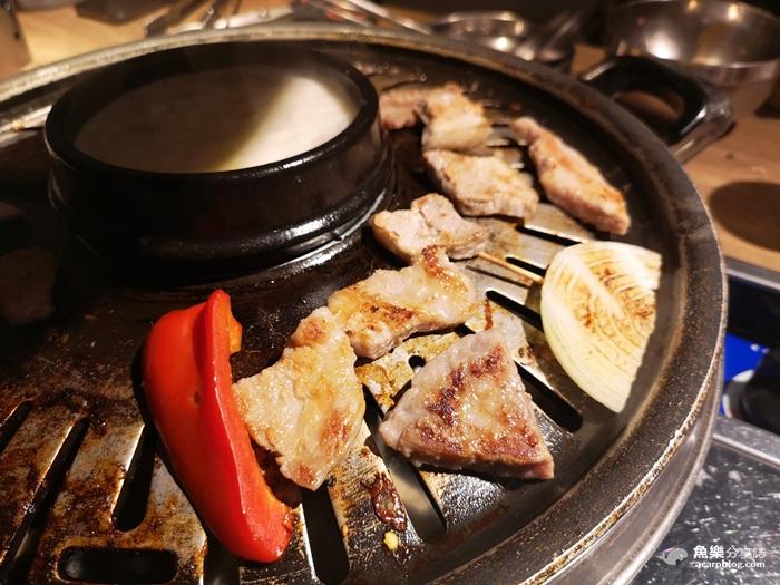 【台北內湖】小豬樂石韓國火山石烤肉專賣店|韓國烤肉吃到飽 @魚樂分享誌
