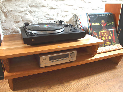 "Bespoke Oak low level two tier turntable hifi stand with vinyl LP rack. • <a style=""font-size:0.8em;"" href=""http://www.flickr.com/photos/69514980@N03/49622285096/"" target=""_blank"">View on Flickr</a>"