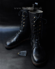 £275.00 Black Ski Hook leather boots by Shandals.co.uk