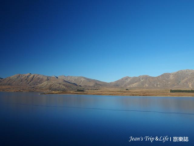 湛藍色的蒂卡波湖