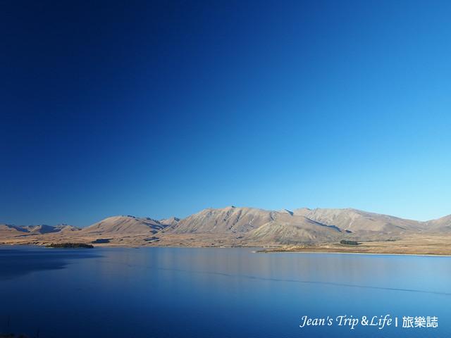 美麗的蒂卡波湖和群山