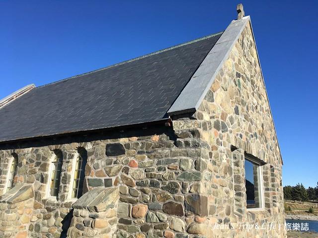 蒂卡波湖畔旁的善良牧羊人教堂是小石頭建置而成
