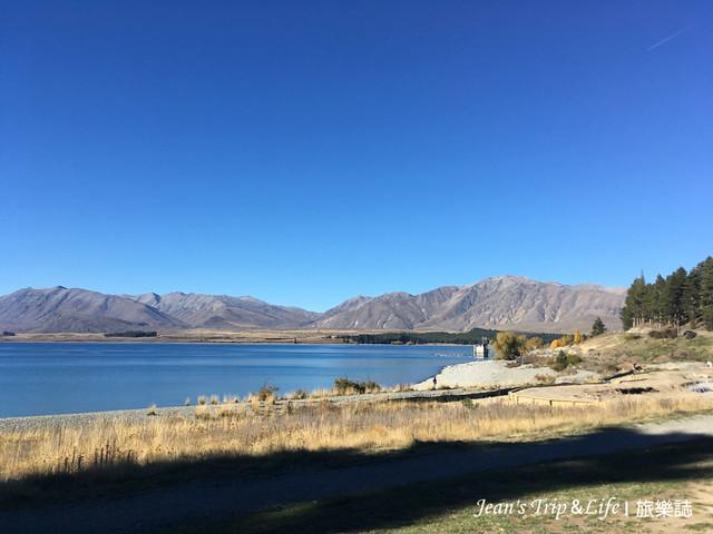 蒂卡波湖Lake Tekapo 有湛藍的湖水