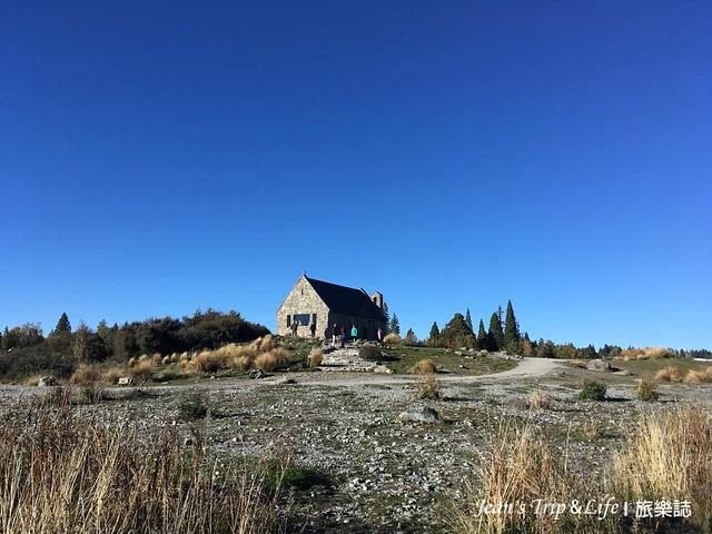 善良牧羊人教堂與藍色天空形成美麗的風景
