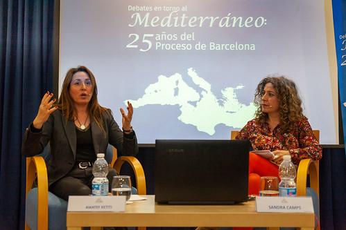 """Debates en torno al Mediterráneo. Sesión sobre empoderamiento de la mujer. • <a style=""""font-size:0.8em;"""" href=""""http://www.flickr.com/photos/124554574@N06/49639360956/"""" target=""""_blank"""">View on Flickr</a>"""