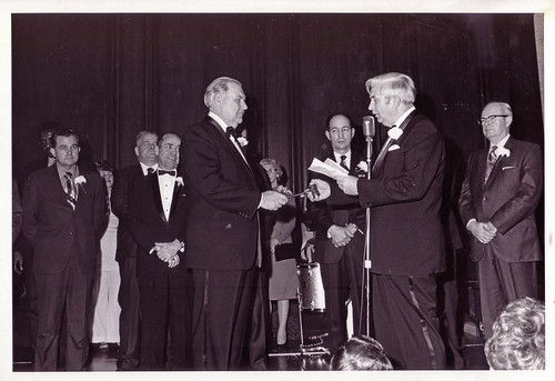 Transit union president takes the oath of office: 1971
