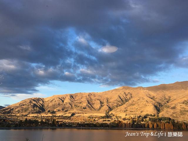 夕陽西下的瓦納卡湖Lake Wanaka 很美