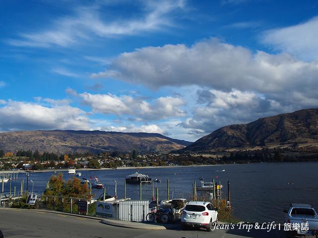瓦納卡湖Lake Wanaka 四周被群山包圍