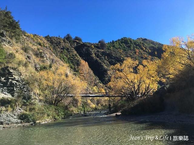 箭河上的吊橋