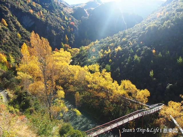 箭河步道上的吊橋