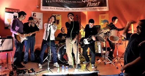 @themoustache #electrofunk 🔊 #funky  #elettronica  #rock 🎥#elettritv💻📲 #bonustrack #pietrostar 🍹 #webtv #musicaoriginale 🎸 #canalemusicale #webtvmusicaoriginale 🍁 #sottosuolo #playlist