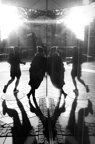 Backlight, mirroring and shadows